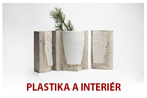 Plastika a interiér